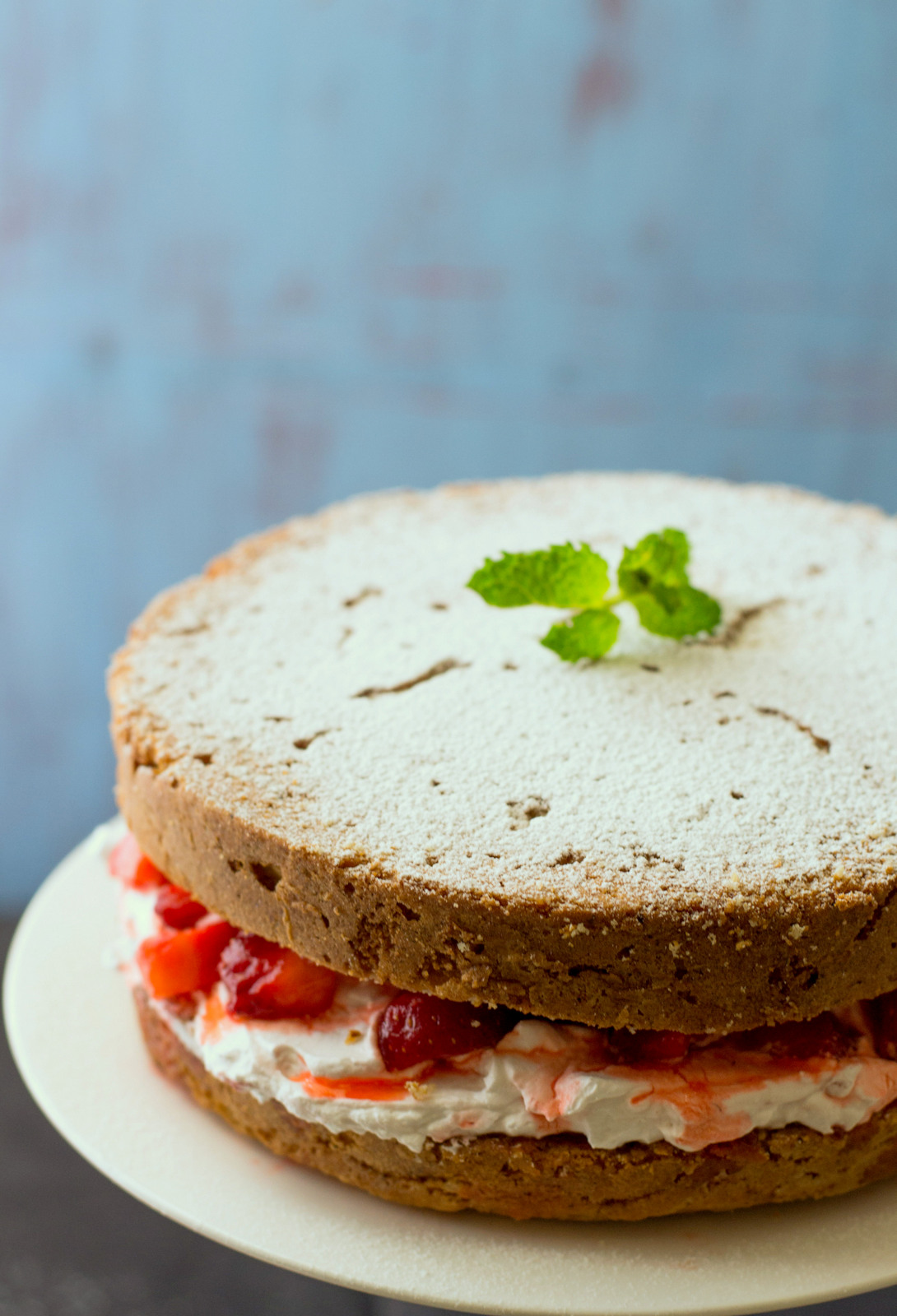 Strawberry Victoria Sponge Cake The White Ramekins