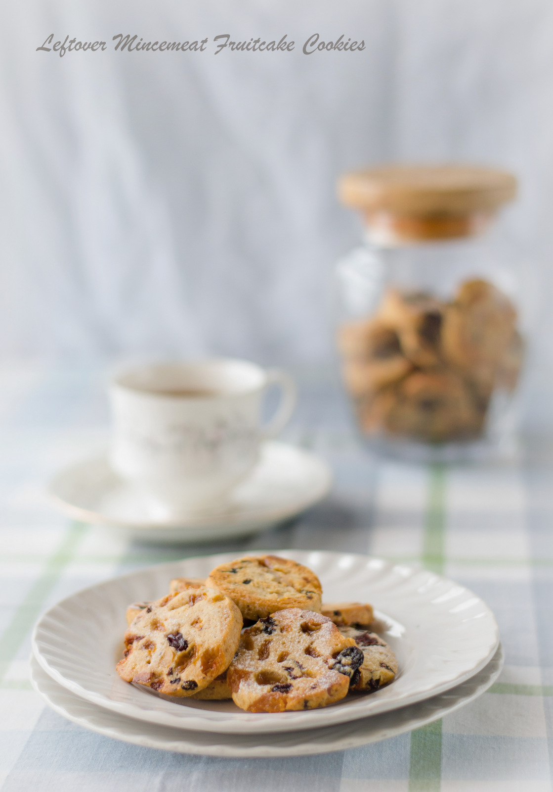 Leftover Mincemeat Fruitcake Cookies - The White Ramekins